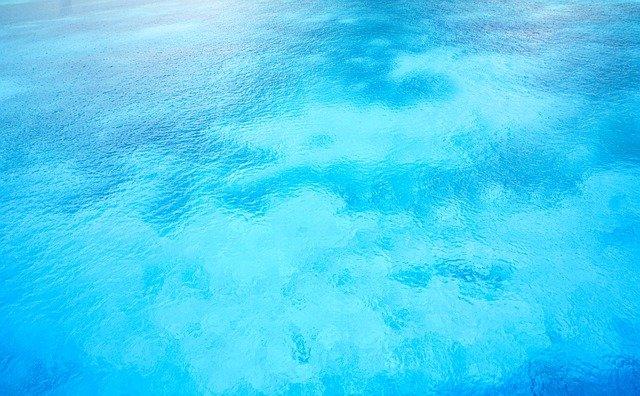 Was ist Auftrieb im Wasser?